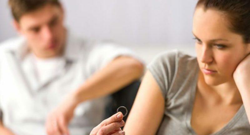 Evlilikleri Boşanmaya Sürükleyen 5 Davranış Hatası