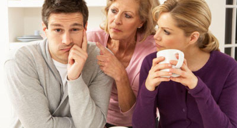 Eşinizle Aranızdaki Her Şeyi Ailenize Anlatmayın