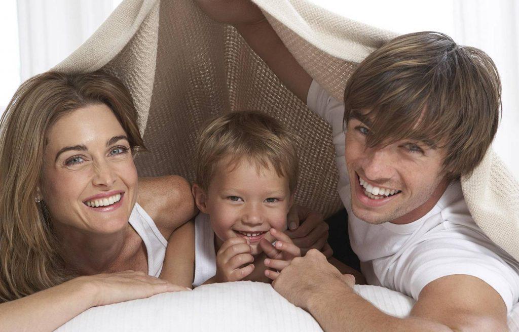 Aile İlişkileri Eşlerin Hayatını En İyi Veya En Kötü Şekilde Değiştirir mi