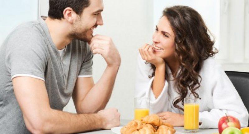 Eşinizin Sizi Dinlemesini Sağlayacak 5 İpucu